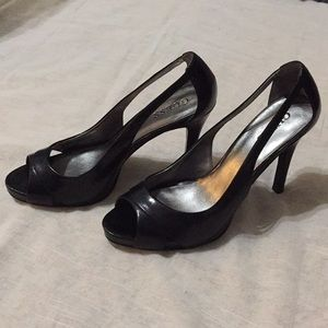 Guess black leather open-toe pumps
